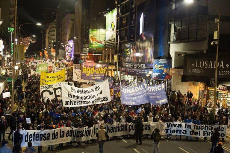 Los gremios de docentes universitarios anunciaron un paro nacional